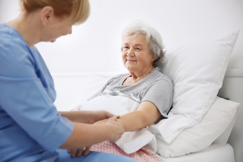 how-to-persuade-your-elderly-loved-one-to-accept-help